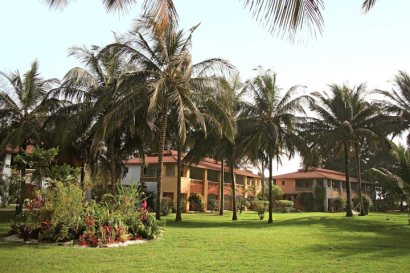 The lawns in front of The Kairaba guest rooms
