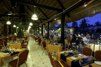 Kudula buffet restaurant at the Kombo Beach Hotel