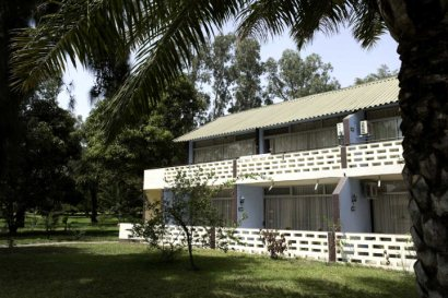Accommodation in the gardens at Senegambia Hotel