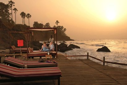 Ngala Lodge beach decking at sunset