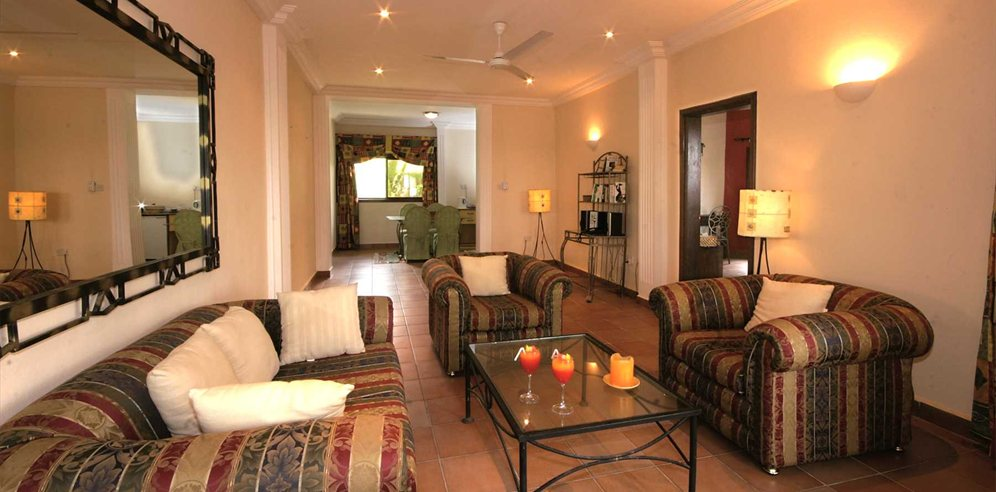 Manor Suite lounge at Ngala Lodge