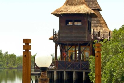 Stilted 2-storey lodge at Mandina