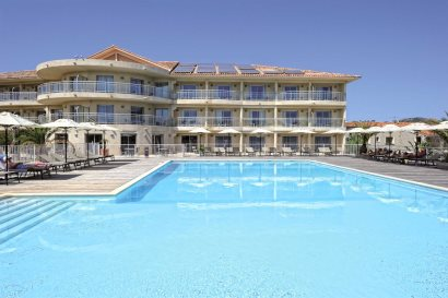 Hotel Costa Salina with shared pool