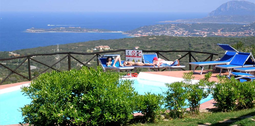 Pool Area and Views - Residenza Rocce Sarde