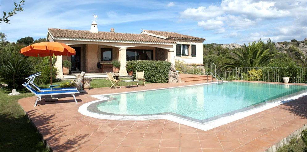 Villa and Pool Area - La Mendula