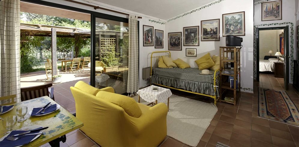 Living area in Casetta Fiordaliso, at Villas Santa Caterina