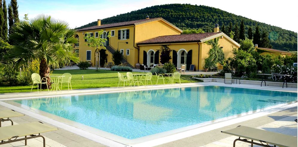 Hotel and Pool Area - Wine Resort Leda d'Ittiri