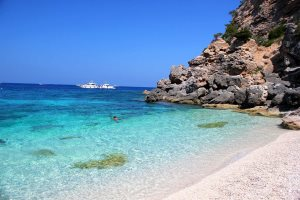 Clear water and soft sand of Cala Mariolu