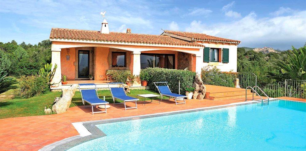 Buy a villa in San Panteleev with pool