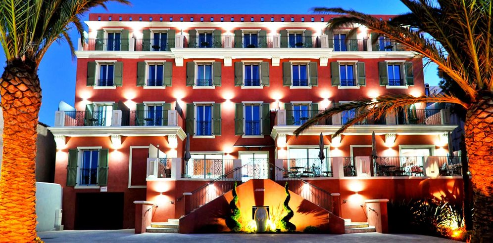 Hotel Liberata at night