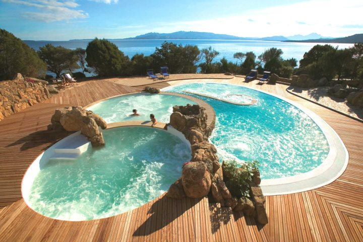 Thalassotherapy pools at Hotel Capo d'Orso