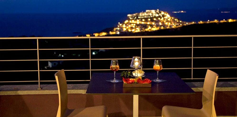 Dining with the view of Castelsardo - Hotel Bajaloglia Resort