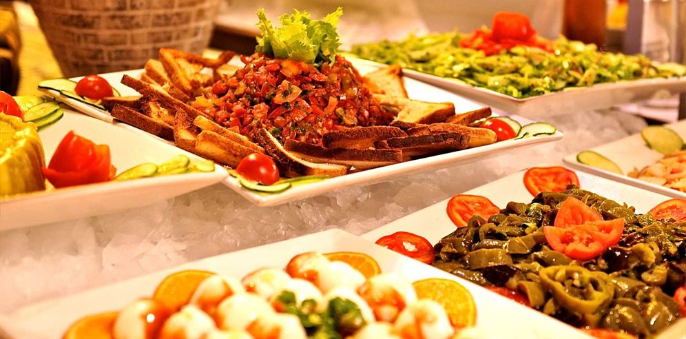 Extensive buffet meals at Royal Horizon Baobab Hotel