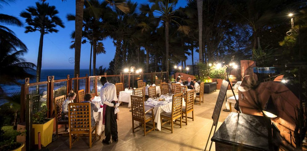 Ngala Lodge Restaurant terrace