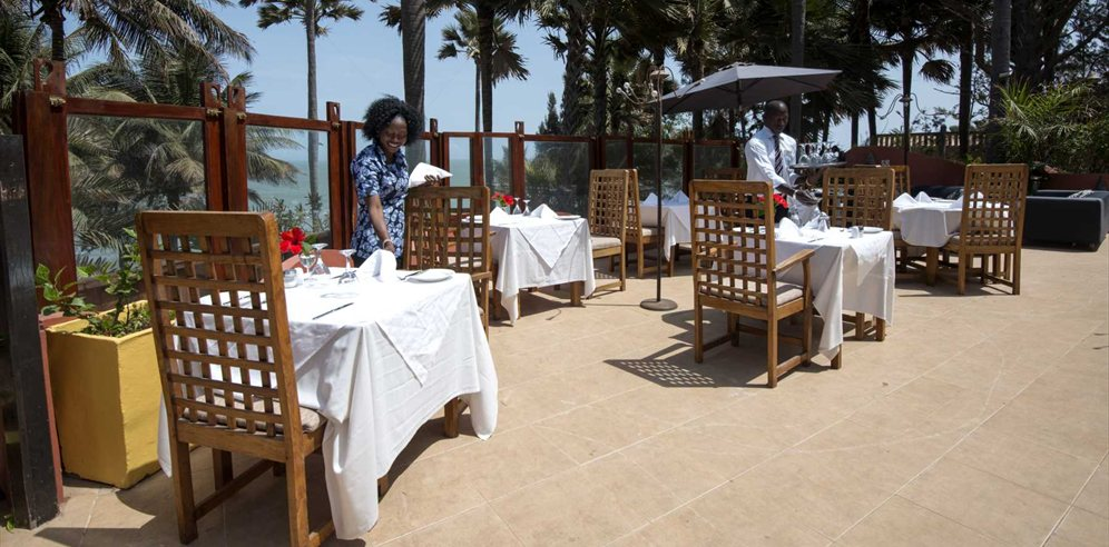 Ngala Lodge lunch on the terrace