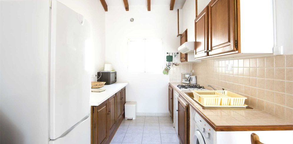 2 bedroom apartment - kitchen