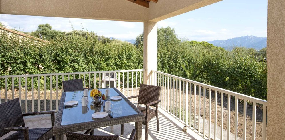2 bedroom apartment - dining al fresco
