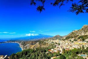 Mount Etna Views from Taormina - Christophe Faugere   |  Shutterstock