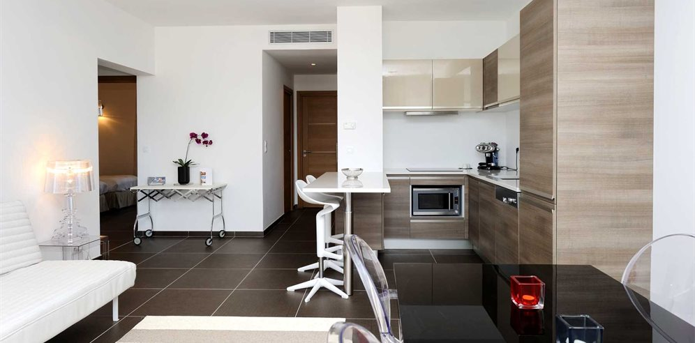 Open plan living (apartment 20)