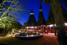 The restaurant at night, Mandina Lodges