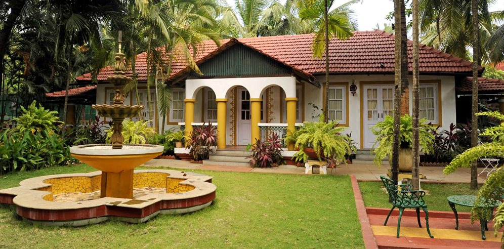Peaceful grounds at Casa Anjuna, North Goa