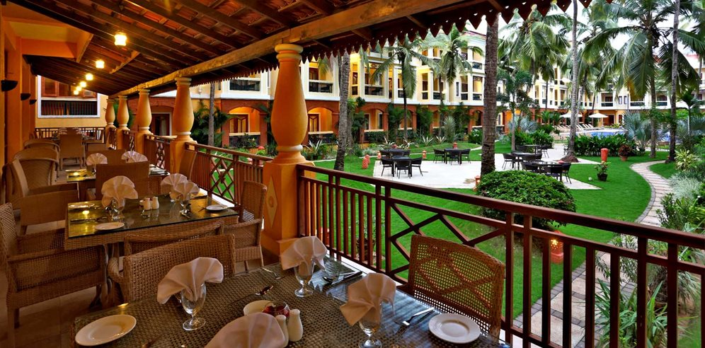 Dining at Mosaic Alfresco at the Country Inn & Suites Candolim, North Goa