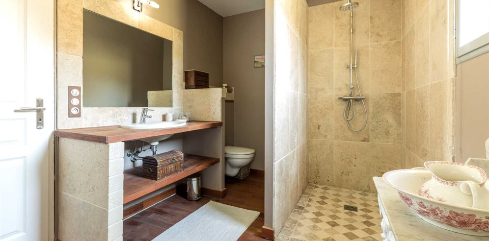 Ensuite Shower room with wc