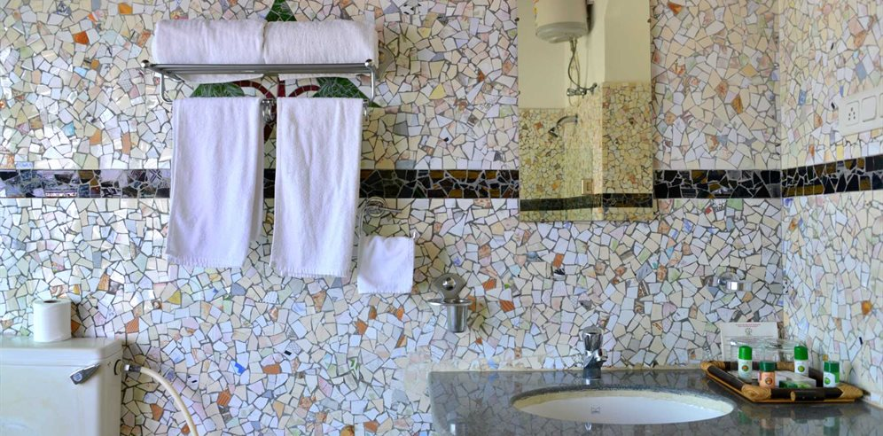 Bathrooms at Panjim Inn, Panjim, Central Goa