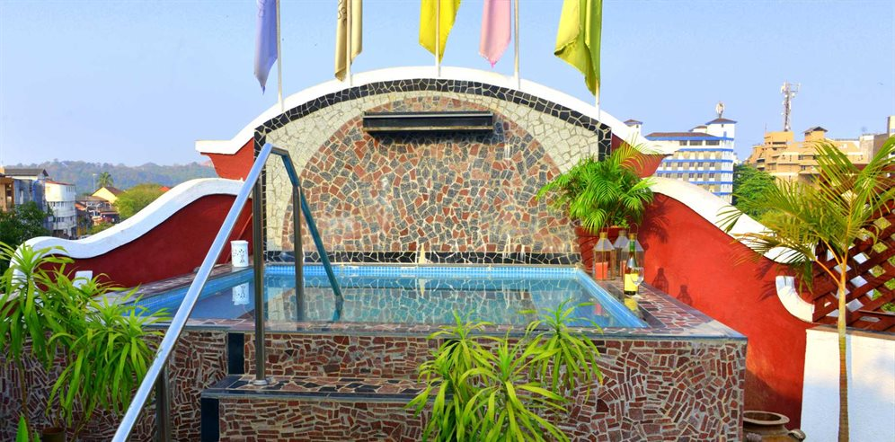 Jacuzzi on roof top, Panjim Inn, Panjim, Central Goa