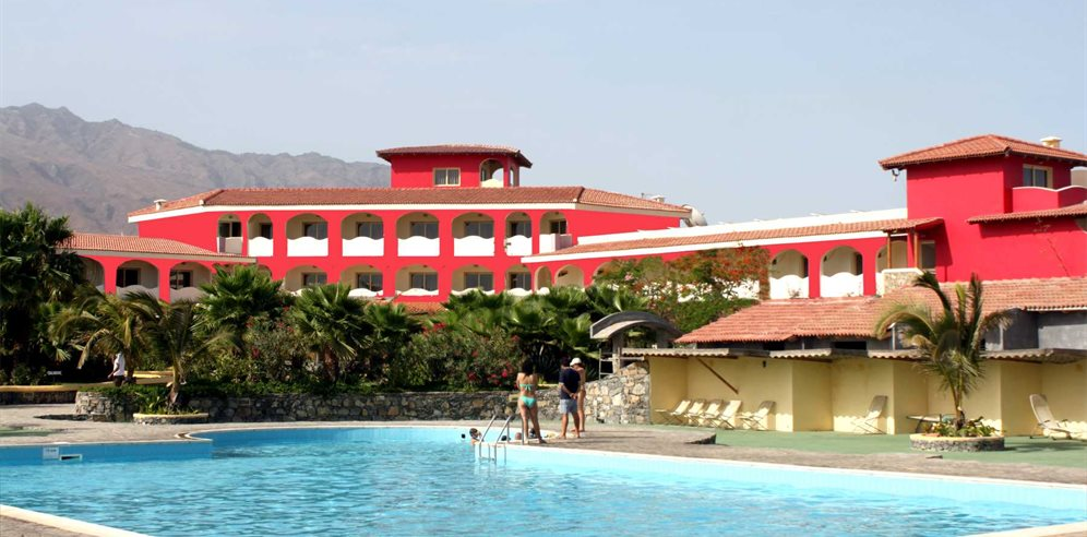 Art Resort - Pool and Hotel