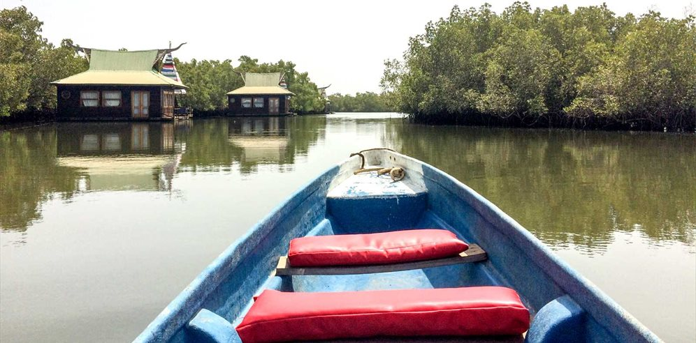 Pirogue trips at Mandina Lodges