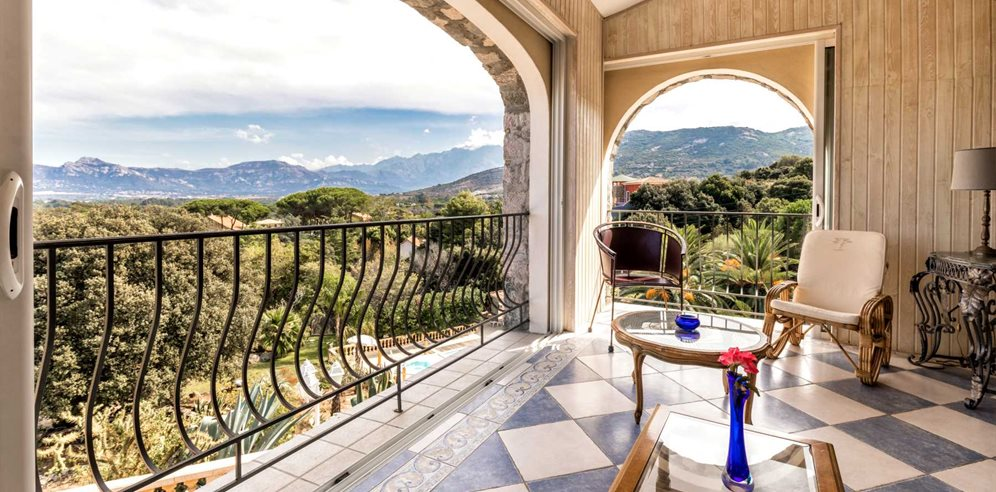 Chambre Prestige - balcony with views over Calvi and its surroundings