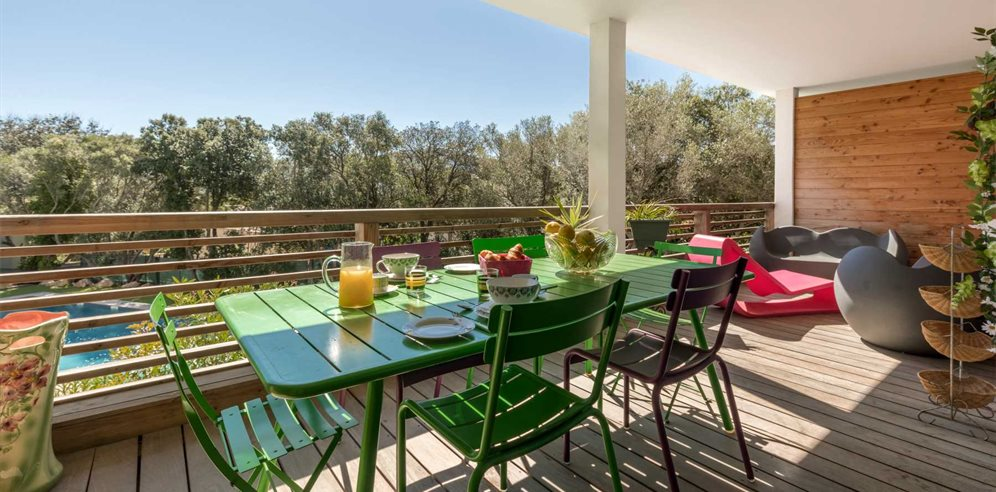 Breakfast on the Spacious Balcony - Apartment di Sali - L'Extrême Sud