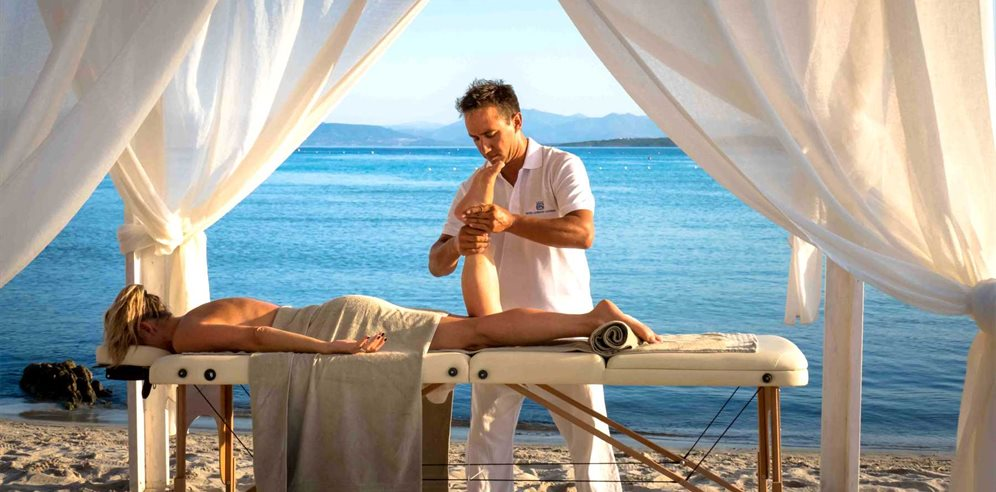 Massage on the Beach - Gabbiano Azzurro Hotel & Suites
