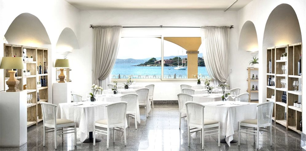The White Restaurant - Gabbiano Azzurro Hotel & Suites
