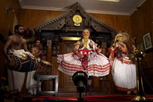 Kathakali dance performance, Cochin, Kerala - Aleksandr Zykov | Flickr creative commons