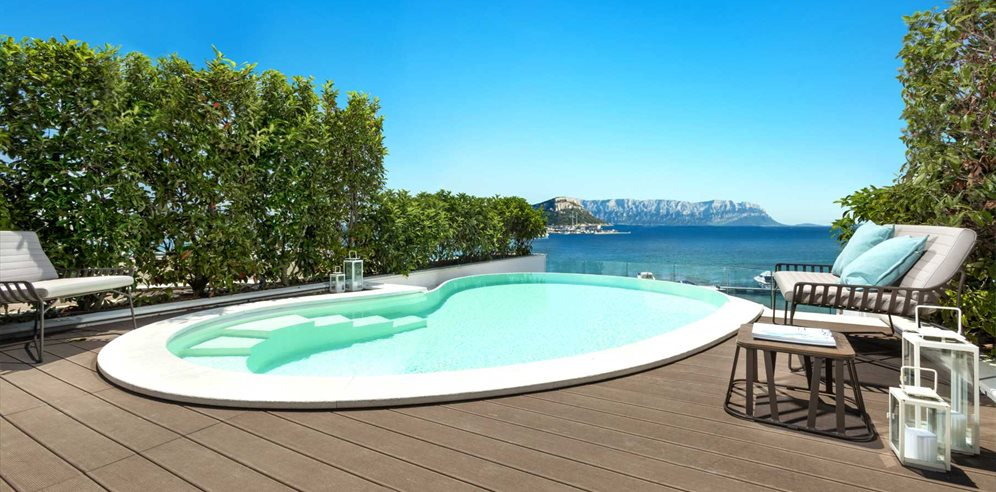 Luxury Pool Suite at Gabbiano Azzurro Hotel & Suites