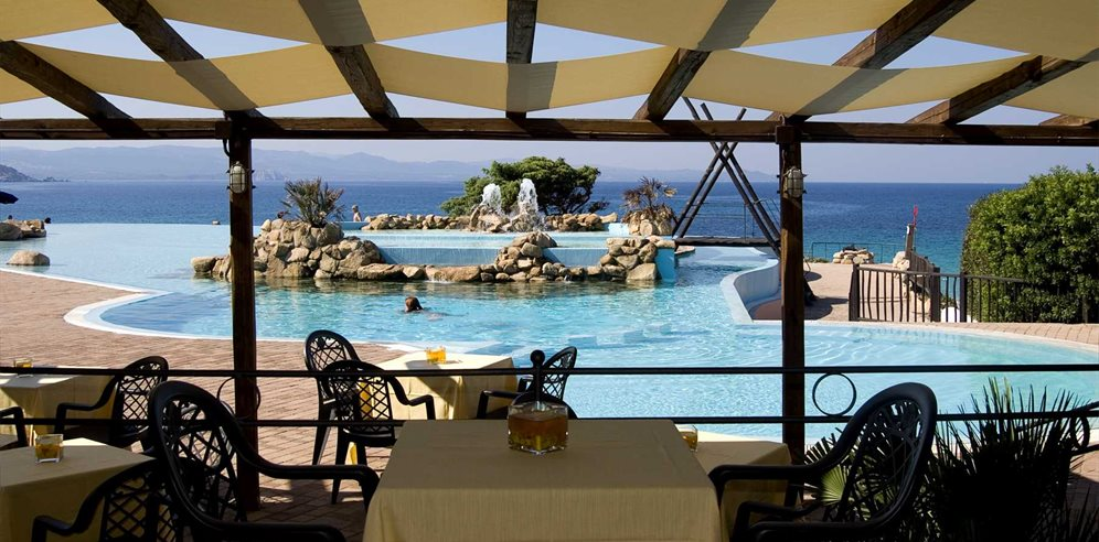 Pool Bar - Colonna Grand Hotel Capo Testa