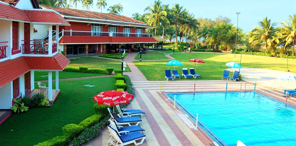 Pool, Nanu Beach Resort, Betalbim, South Goa