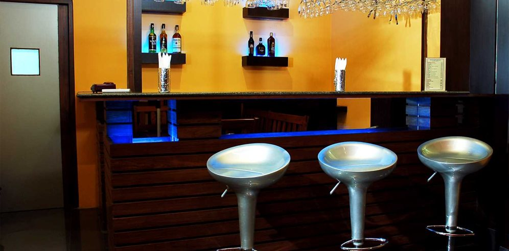Bar, Nanu Beach Resort, Betalbatim, South Goa