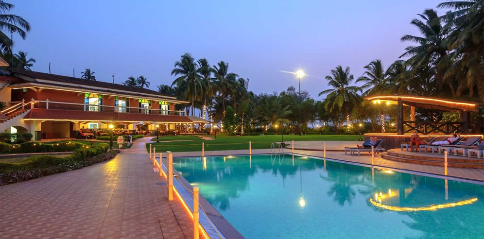 Pool, Nanu Beach Resort, Betalbatim, South Goa
