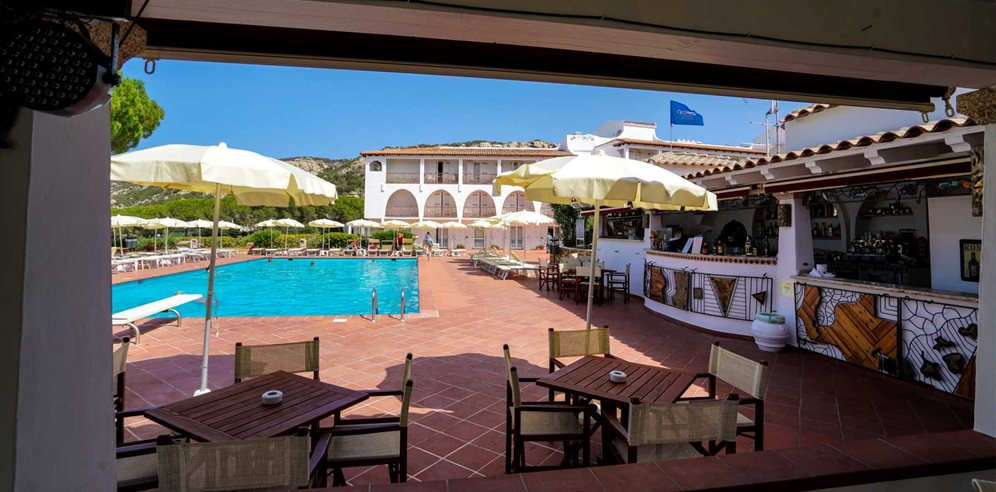 Pool Bar -Club Hotel Cormorano