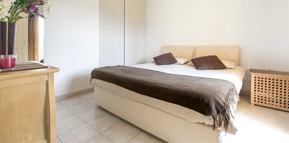 Stylish and simple Double bedroom at Apartment Santore