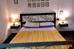 Double bedroom 1 in Villetta Larabella, at Villas Santa Caterina