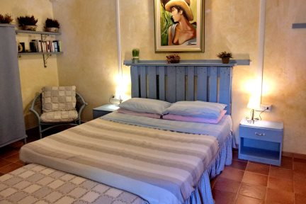 Double bedroom 1 in Casetta Fiordaliso, at Villas Santa Caterina