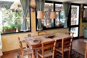 Dining area in Villetta Lalinda, Villas Santa Caterina