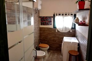 Bathroom in Casina Dolinda, at Villas Santa Caterina