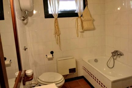 Bathroom in Casetta Fiordaliso, at Villas Santa Caterina