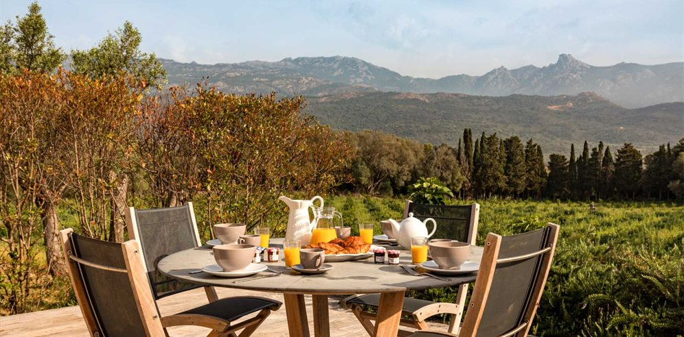 Breakfast on the Terrace - Casa di Pruno - L'Extrême Sud