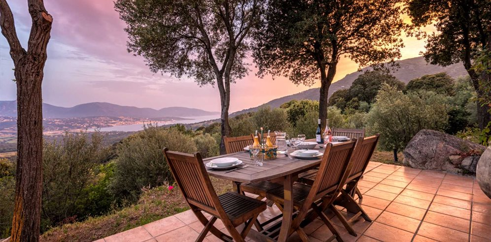 Al fresco Dining - Bergerie Olivella - Valinco & the West Coast